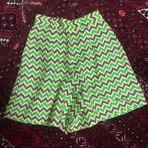 Vintage linen chevron Valentino Garavani V shorts